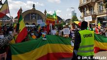 Ethiopians demonstrate in Frankfurt to denounce the latest violence in Ethiopia DW, Endalkachew Fekkade, 18. Juli 2020