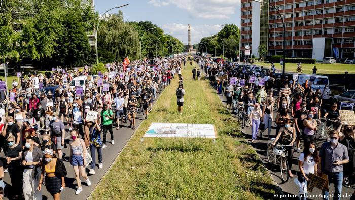 مظاهرات احتجاجية ضد العنصرية على خلفية مقتل جورج فلويد في برلين