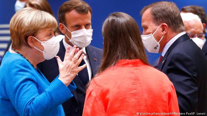 Unijni liderzy debatują już od piątku w Brukseli