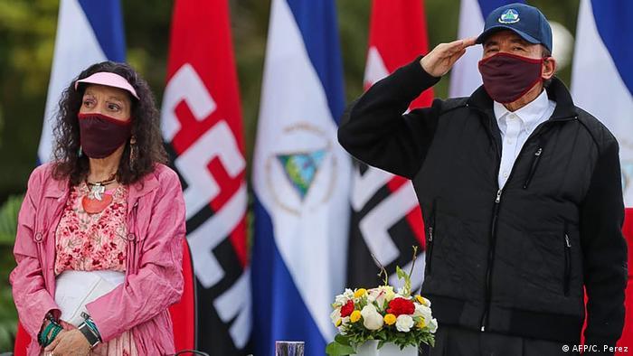 Daniel Ortega, presidente de Nicaragua, y su esposa, Rosario Murillo, vicepresidenta del país.