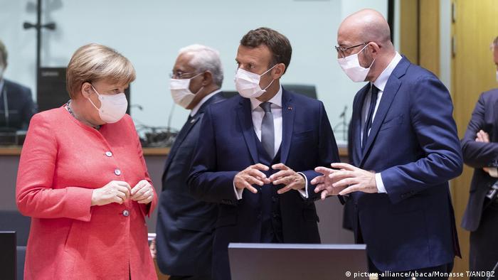 Ангела Меркель, Эмманюэль Макрон и Шарль Мишель на саммите ЕС в Брюсселе, 17 июля 2020 г.