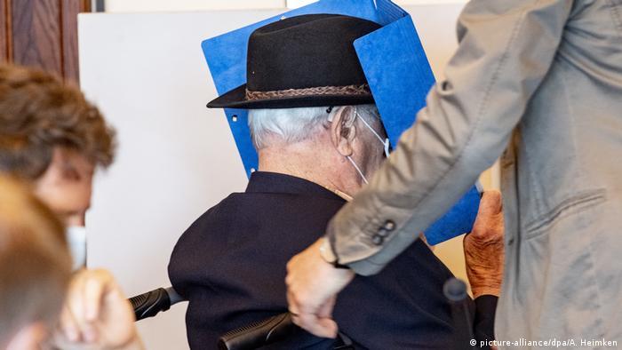 Dey está acusado de complicidad en el asesinato de 5.230 personas entre agosto de 1944 y abril de 1945 en el campo de concentración de Stutthof (20.07.2020)