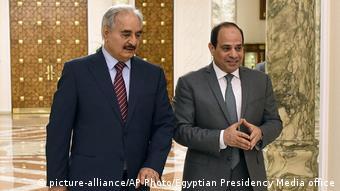 Ανοιχτή στήριξη στον Χαφτάρ προσφέρει η Αίγυπτος - Εδώ με τον πρόεδρο Αλ Σίσι