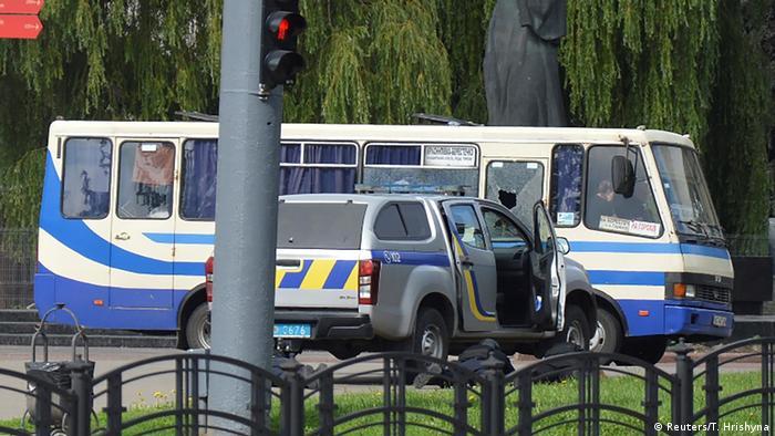 Рейсовый автобус, в котором удерживали заложников в Луцке