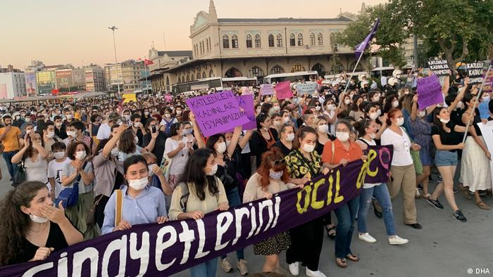 تظاهرات در ترکیه پس از قتل پینار گولتکین