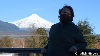 Chile I Tourguide in front of Villarrica