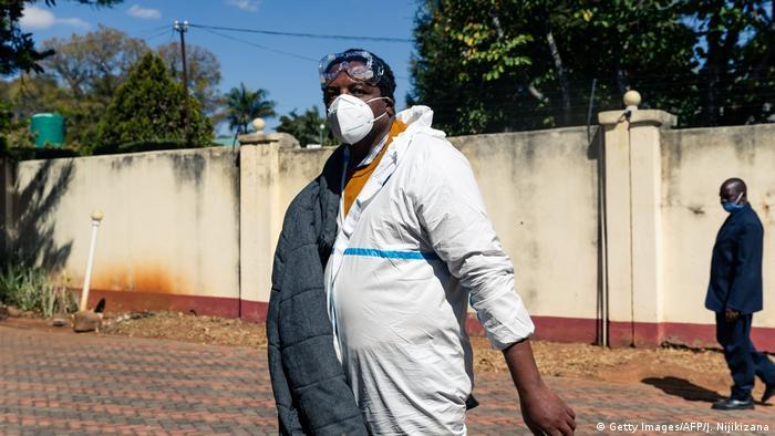 Zimbabwean journalist Hopewell Chin'ono (Getty Images/AFP/J. Nijikizana)