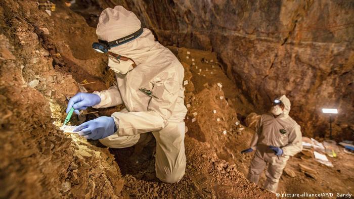 Cientistas escavam caverna Chiquihuite, a 2.740 metros acima do nível do mar