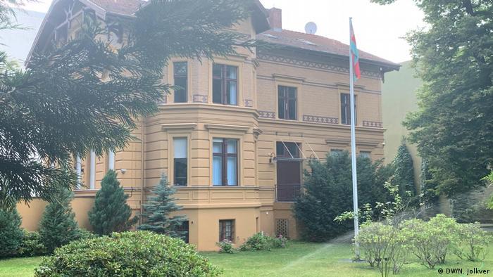 Das Botschaftsgebäude von Belarus in Berlin (Foto: DW/N. Jolkver)