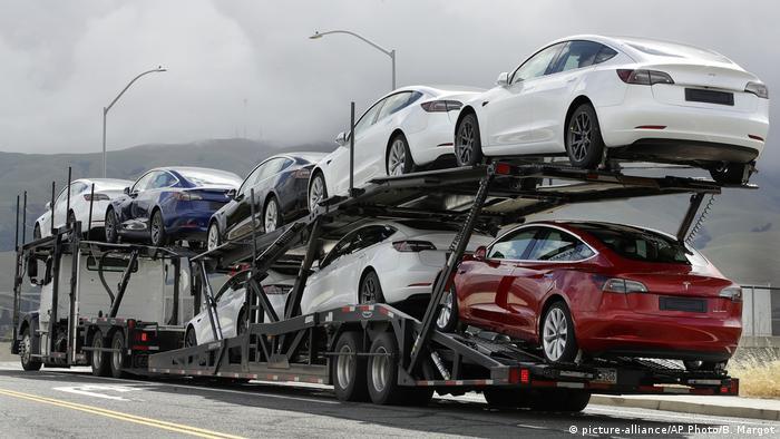 Die Auslieferung von Tesla-Autos in Kalifornien
