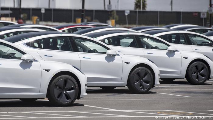 Cars in a Tesla parking lot in California