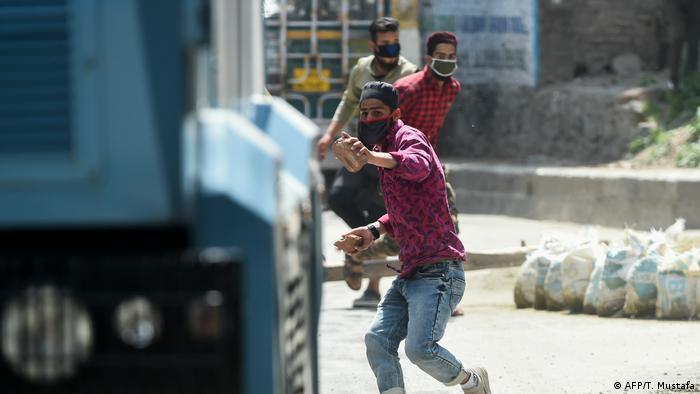 काश्मीर लंबे समय से संघर्ष-ग्रस्त क्षेत्र रहा है