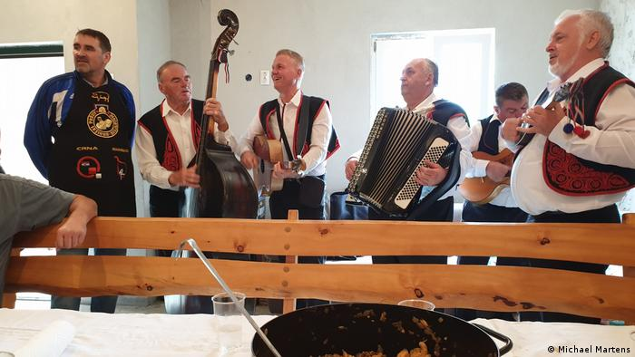 Muzikaši u Perkovićevom domu