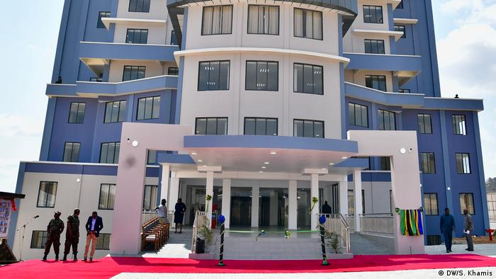 Tansania Sitz der Wahlkommission Takukuru in Dodoma