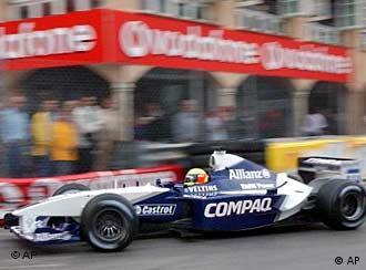 Ralf Schumacher, em treino nas apertadas ruas de Mônaco