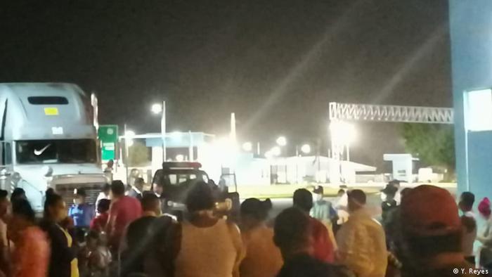 Cientos de nicaragüenses permanecen varados en la frontera con Costa Rica, tratando de regresar a su país. La gran mayoría no tiene certificado negativo de COVID-19. (Foto cortesía de Yaoska Reyes).