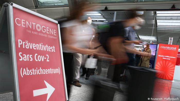Deutschland Covid-19 Test am Flughafen Frankfurt