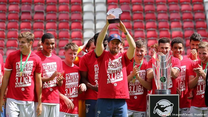 Fußball 3. Liga   1.FC Kaiserslautern - FC Bayern Muenchen   Trainer Sebastian Hoeneß (Imago Images/Kleer/J. Huebner)