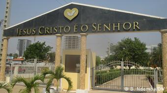 Angola Luanda  Kirche Igreja Universal do Reino de Deus