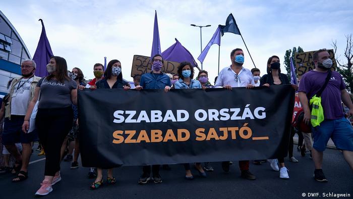 Prosvjed u Budimpešti protiv utjecaja vlasti na medije