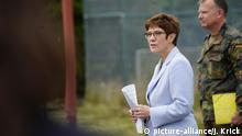 Bundeswehr in Ulmen I Verteidigungsministerin Annegret Kramp-Karrenbauer