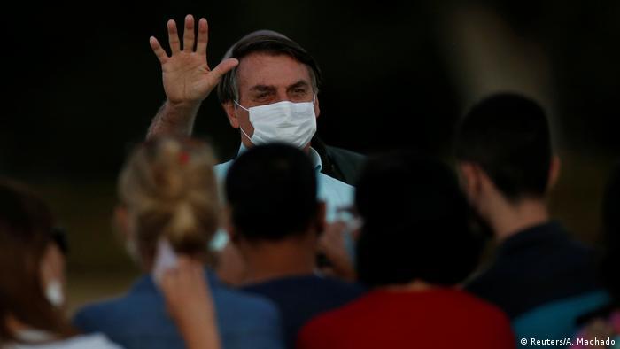 Aprovação do governo Bolsonaro sobe para 40%, segundo Ibope