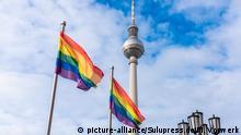 Deutschland Berlin | Christopher Street Day 2020 |Fernsehturm