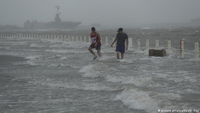 Hurrikan «Hanna» steuert auf Texas zu (picture-alliance/dpa/E. Gay)