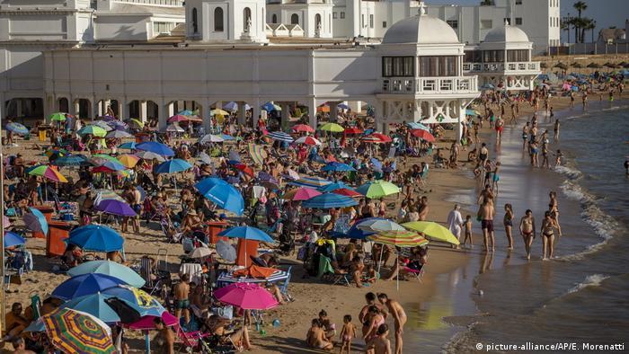 Plaża w Kadyksie, Hiszpania, 24.07.2020 (picture-alliance/AP/E. Morenatti)