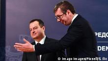 Serbien Präsident Aleksandar Vucic und Ivica Dacic