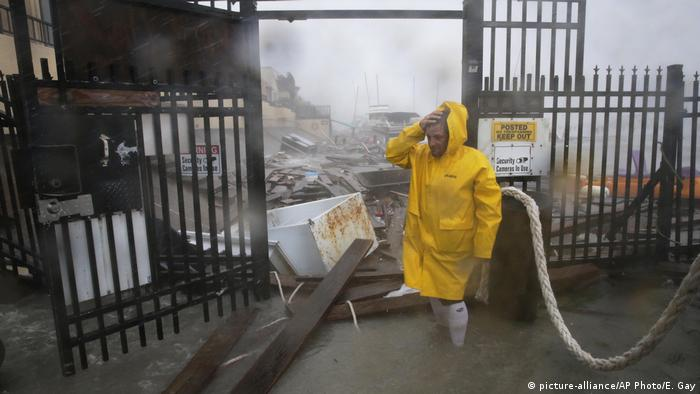 USA Hurrikan Hanna (picture-alliance/AP Photo/E. Gay)