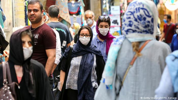 الصورة من أحد أسواق العاصمة الإيرانية طهران