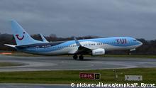UK TUI Boeing 737-8K5