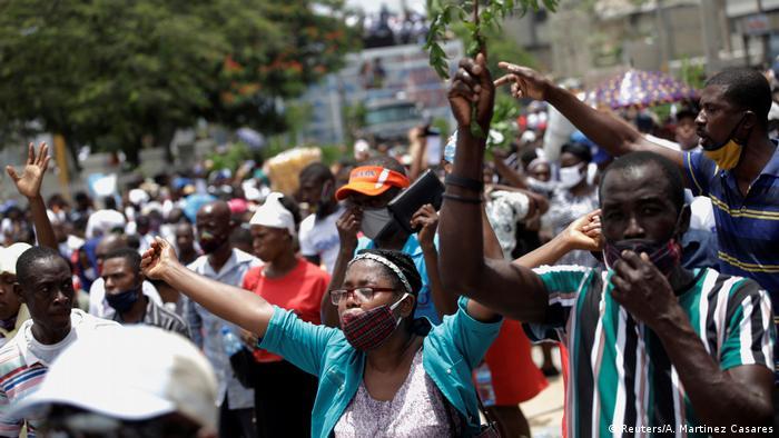 Foto de manifestantes en Port-au-Prince