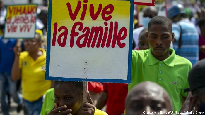 Foto de manifestantes conservadores en Haití