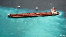 Havarierter Tanker auf dem Barrier-Reef
