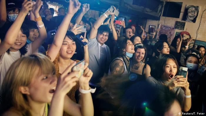 Coronavirus Alltag in der Pandemie China Konzert (Reuters/T. Peter)