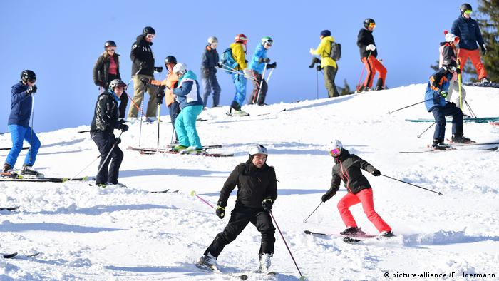 Гірські лижі - улюблена зимова розвага десятків мільйонів європейців