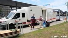Mobiles Testzentrum am Flughafen Köln-Binn.jpg Copyright: DW/Lisa Hänel