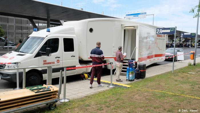 Mobilni centar za testiranje u zračnoj luci Köln-Bonn
