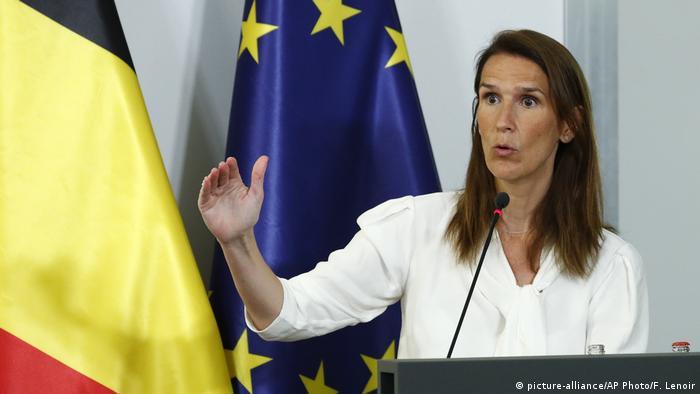 Regierungschefin Sophie Wilmès (picture-alliance/AP Photo/F. Lenoir)