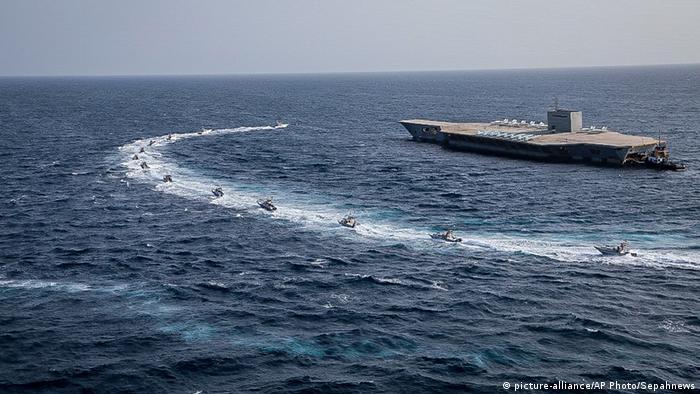 Los Guardianes de la Revolución de Irán capturaron un petrolero con bandera de Corea del Sur en las aguas del Golfo, según la agencia Fars y otro medio local, mencionando riesgos para el medioambiente. (4.01.2021).