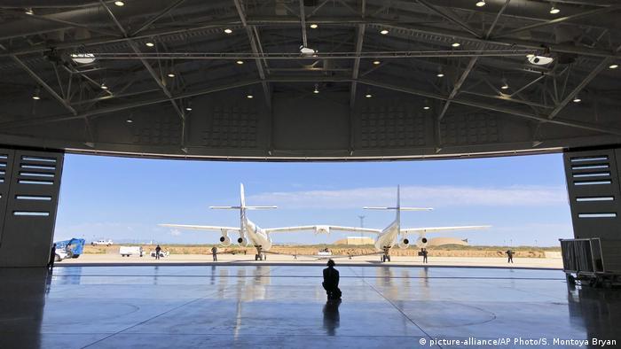 Hanggar pesawat Virgin Galactic di New Mexico