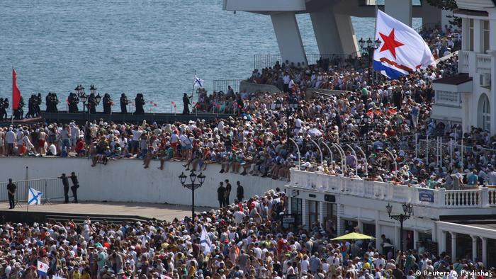 Russland | Tag der Marine | Putin kündigt Hyperschallwaffen für Kriegsschiffe an (Reuters/A. Pavlishak)