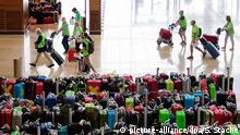 Probebetrieb mit Komparsen am Flughafen BER