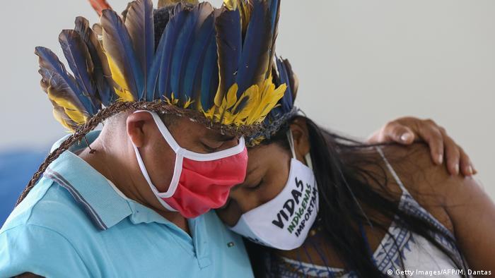 Coronavirus   Brasilien Trauer um Covid-19-Opfer (Getty Images/AFP/M. Dantas)