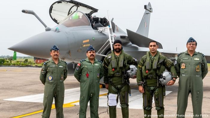 (picture-alliance/AP Photo/Indian Air Force)