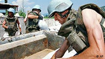 UN soldiers reinforce defensive positions in Sarajevo during the 1992-1995 Bosnian war