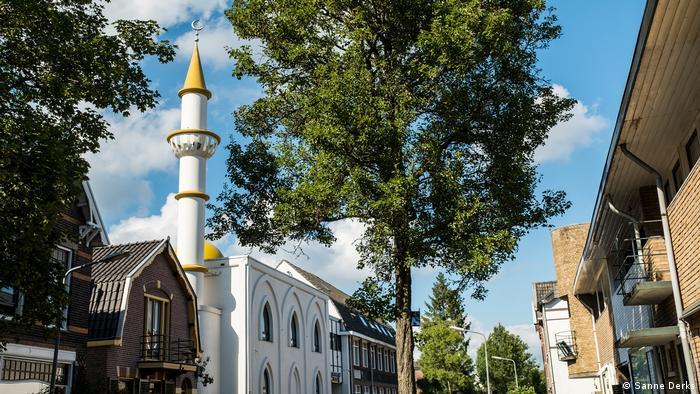 Niederlande Bilanz ein Jahr Burka-Verbot (Sanna Derks)