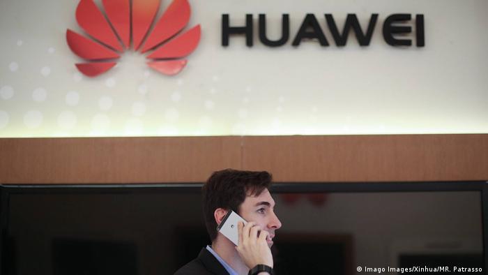 Huawei in Brasilien Logo in Sao Paulo (Imago Images/Xinhua/MR. Patrasso )